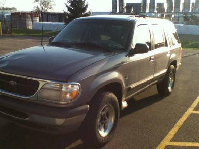 2 000 obo 39 97 ford explorer for sale in kalamazoo michigan classified. Black Bedroom Furniture Sets. Home Design Ideas
