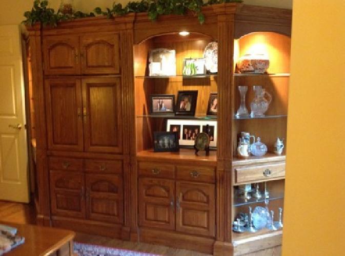 $2,000 OBO Five piece wall unit
