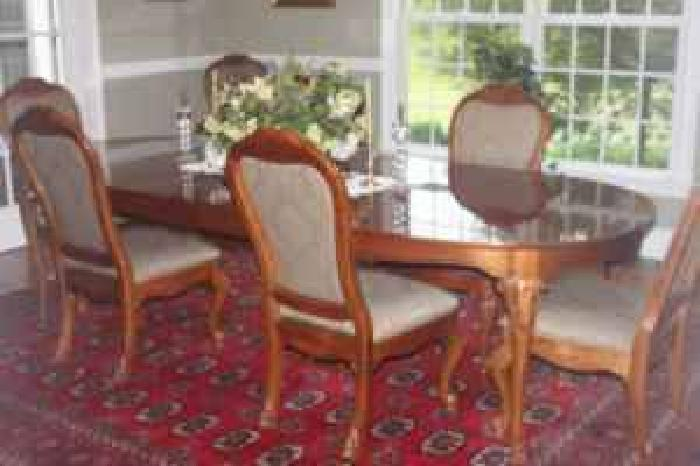 2 000 Thomasville Elysee Dining Room Set For Sale In New Milford Connecticu