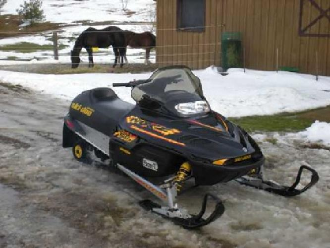 $2,200 Snowmobiles 2 for $3000 or Split
