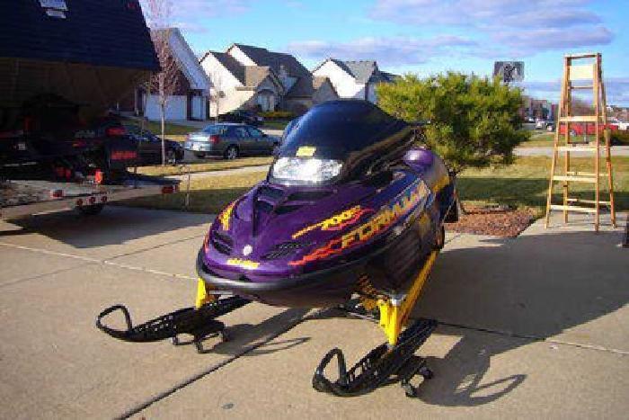 $2,250 skidoo formula 3 700cc