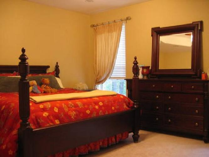 2 300 Beautiful King Size Bedroom Set Price Reduced For