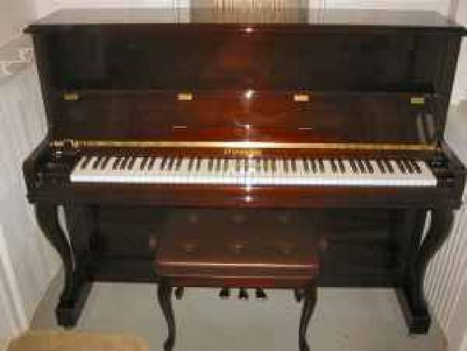 $2,400 Steinmann 48'' stutio upright piano