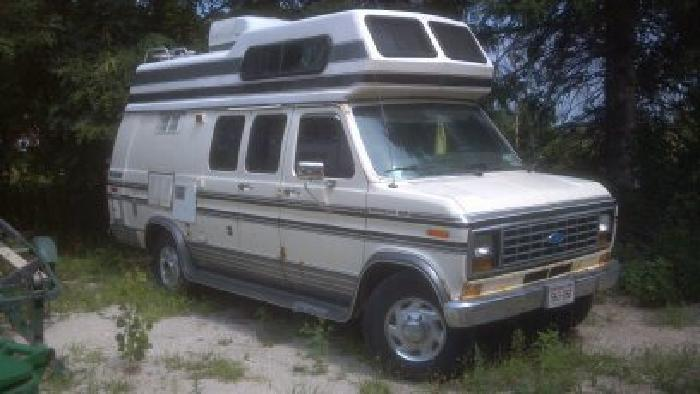 $2,500 1990 Ford Econoline Coachman Camper