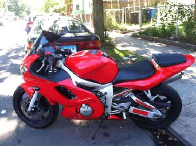 2 500 2002 yamaha r6 reduced for quick sale for sale in new haven connecticut classified. Black Bedroom Furniture Sets. Home Design Ideas