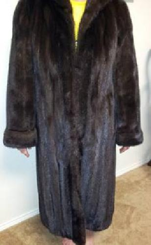 $2,500 Adolfo by Neiman Marcus Natural Ranch Mink Coat