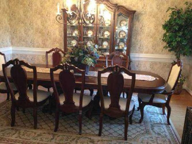 2500 American Drew Formal Dining Room And China Hutch