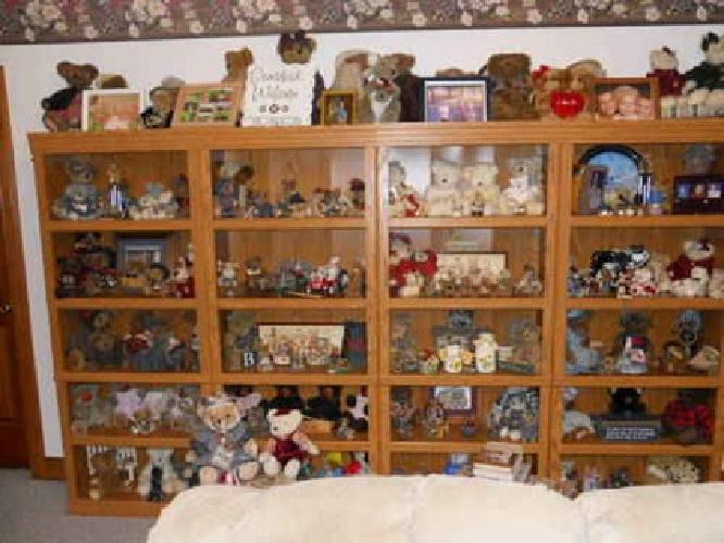 $2,500 Boyd's Bears 100's entire colection 12-17yrs old perfect condition