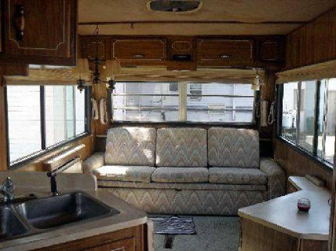$2,500 Moving and must sell - 1984 Holiday Rambler