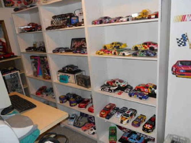 $2,500 Nascar entire collection a must see mint condition >>>>>LOOK
