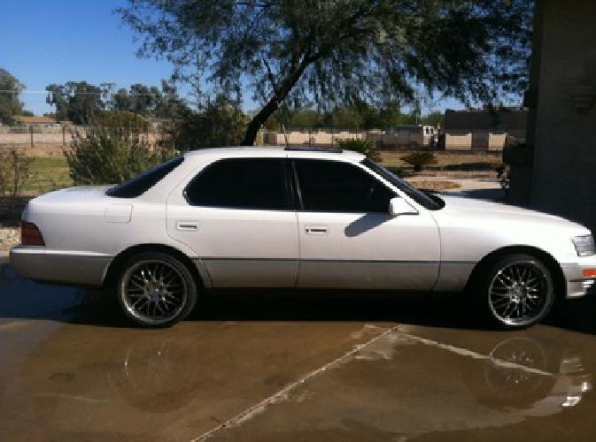 $2,600 Lexus LS 400