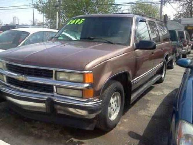 $2,695 94 Chevy Suburban brown