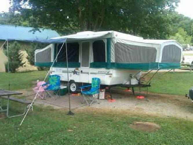 $2,700 1997 Starcraft Pop Up Camper