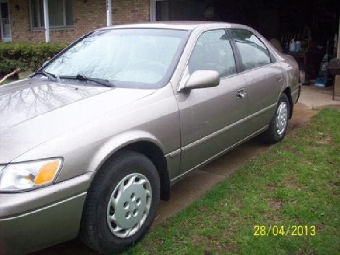 $2,800 1999 Toyota Camry