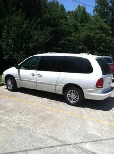 2 800 2000 chrysler town and country white 166k mi for. Black Bedroom Furniture Sets. Home Design Ideas
