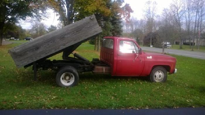 2 800 obo 1979 chevy dump truck for sale in rochester new york classified. Black Bedroom Furniture Sets. Home Design Ideas