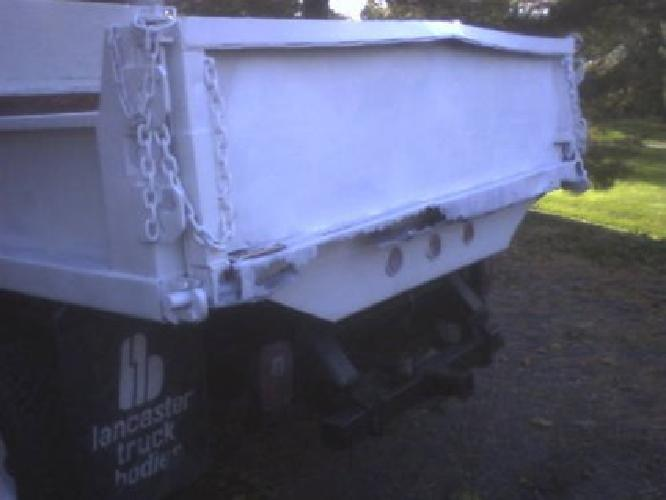 $2,850 84 F350 dump truck NEEDS WORK.