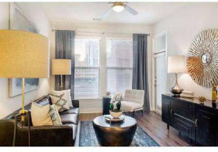 2 Beds - 555 Ross Avenue