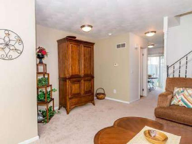 2 Beds - Autumn Ridge Townhomes & Apartments