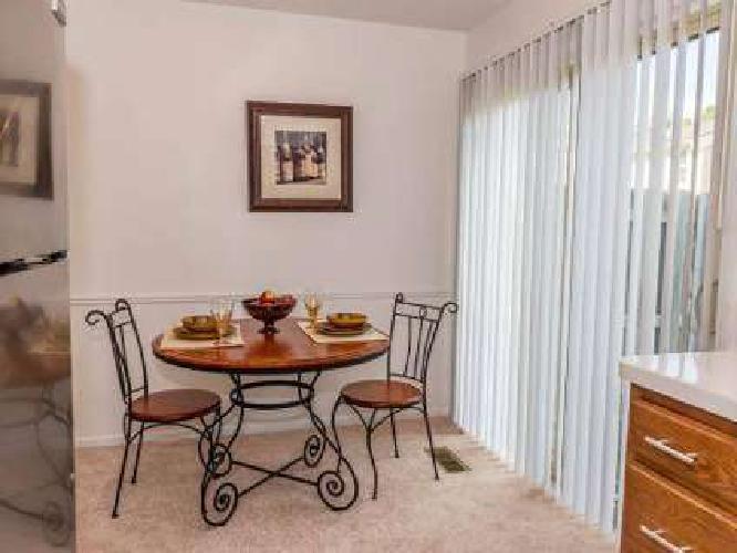 2 Beds - Autumn Ridge Townhomes & Apartments