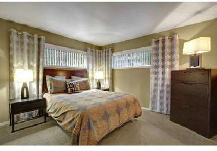 2 Beds - Capitol Towers Apartments & Penthouses