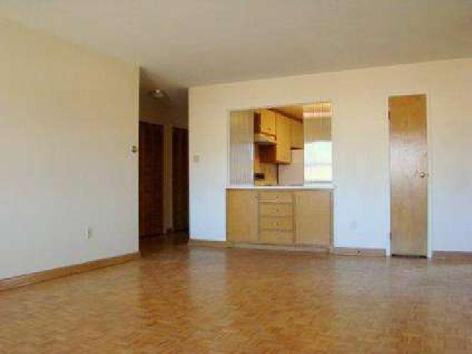 2 Beds - Edgewater Real Estate Milwaukee Apartments