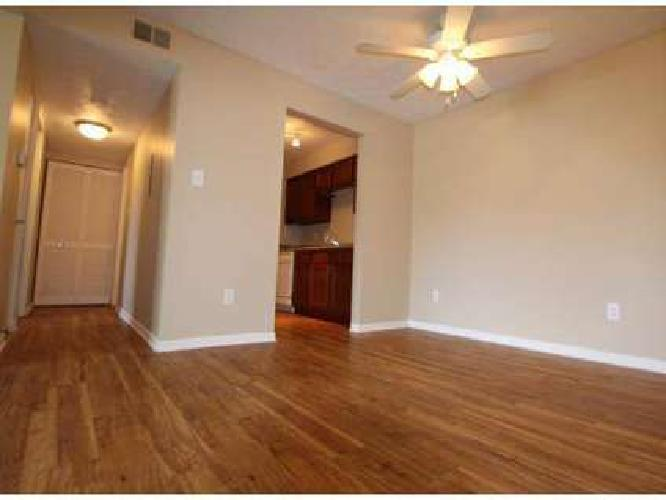 2 Beds - English Village Apartments