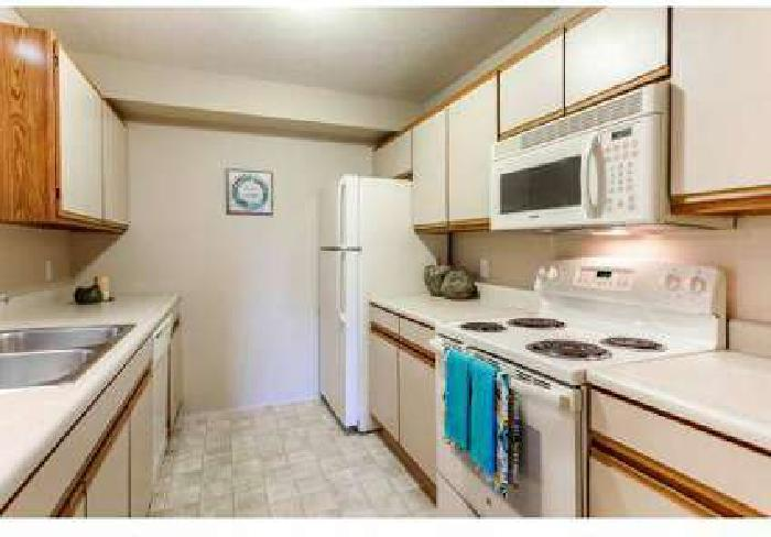 2 Beds - Fairfax Apartments