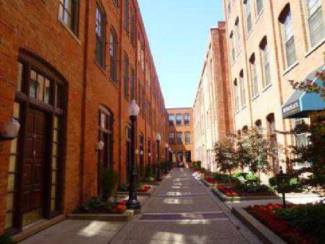 2 Beds - River Place Apartments