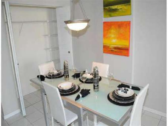 2 Beds - Royal Palms Luxury Rentals