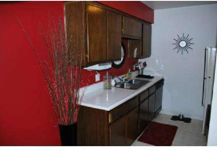 2 Beds - Springport Glen Apartments