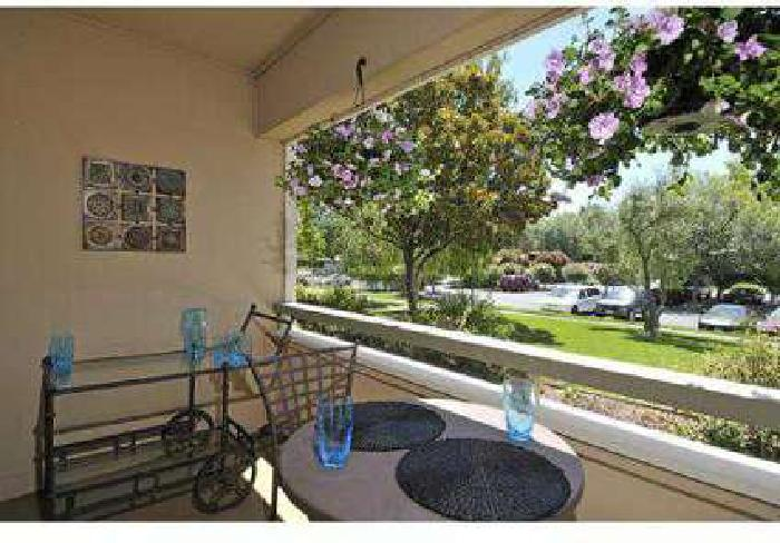2 Beds - Summerwind Apartments