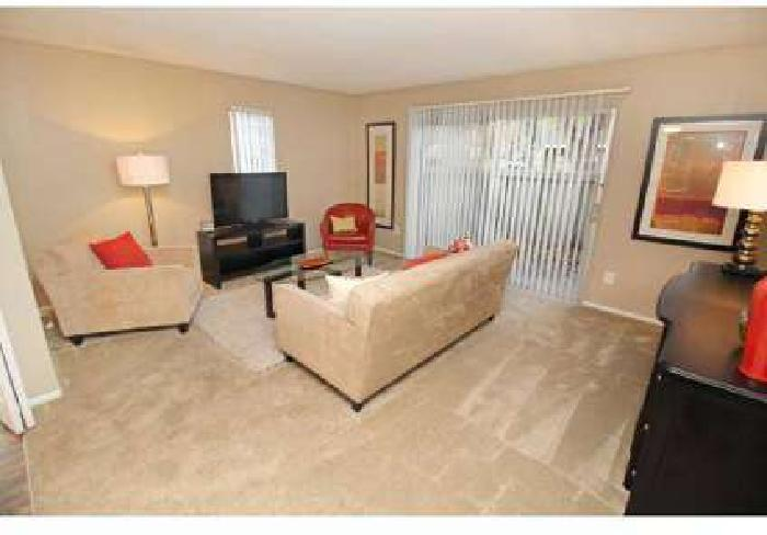 2 Beds - The Esplanade Townhomes & Apartments