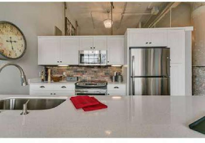 2 Beds - The Lofts at Mockingbird Station