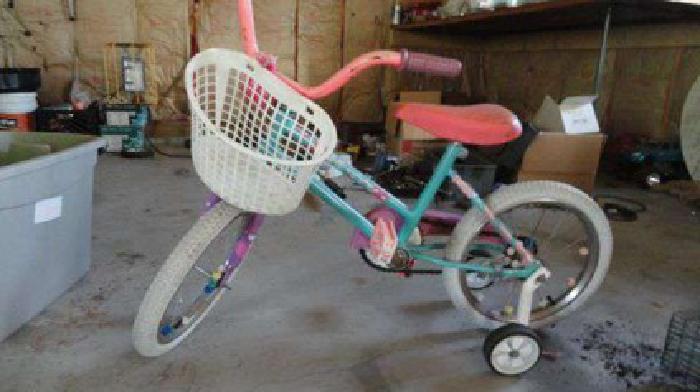 2 girls bikes (RI)