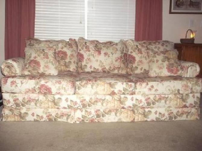 300 Broyhill Floral Sofa Couch Like New For Sale In