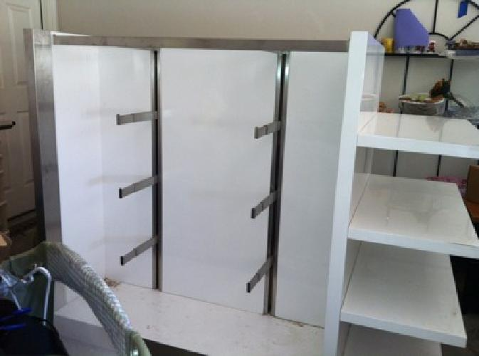 300 Obo Store Fixture Displays For Sale In Denton Texas Classified