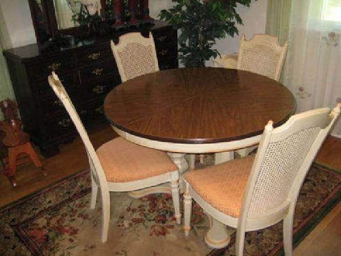 300 vintage french country round diningtable set with 4 chairs for