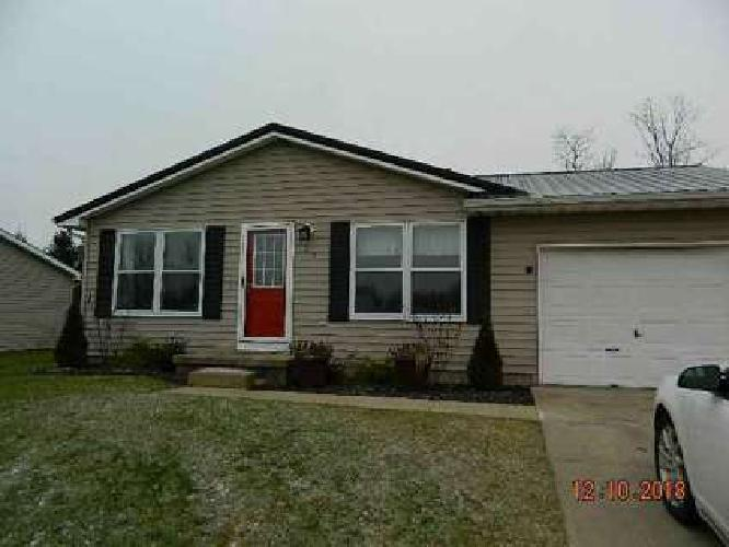 307 Eisenhower Parkway Warsaw, Recently renovated home with