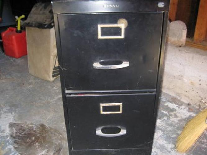 30 2 Drawer Anderson Hickey File Cabinet With File