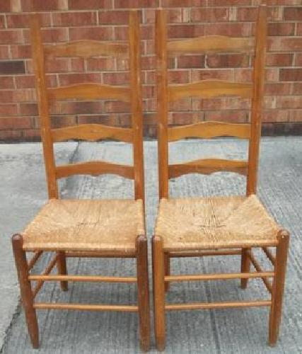 Charmant $30 2 Ladderback Chairs W/Rush Seats