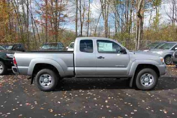 $30,905 2014 Toyota Tacoma 4WD Access Cab V6 AT