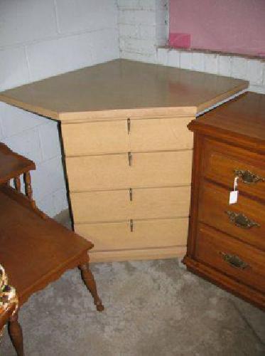 $30 Corner Dresser for sale (Cochranton)