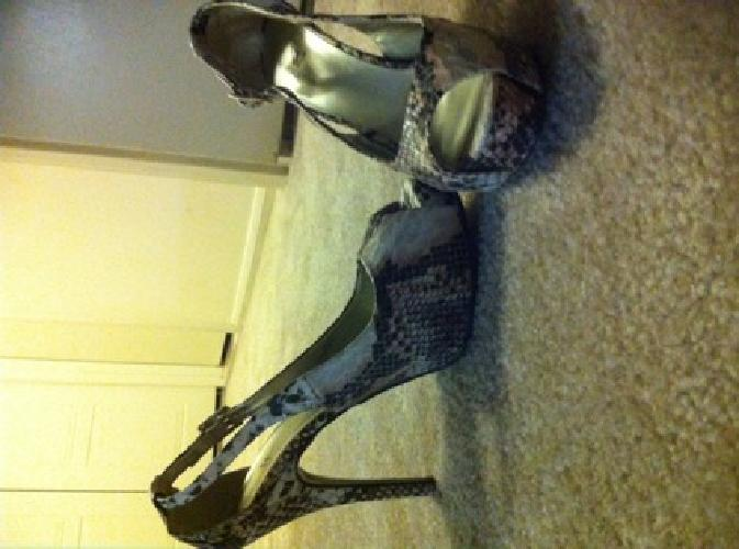 $30 OBO Snakeskin heels