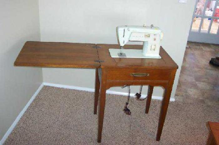 $30 Singer Model 417 Electric Sewing Machine Cabinet With Swing Work Top