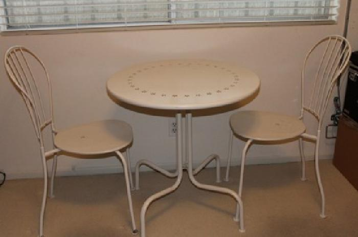 30 small bistro table and two chairs for sale in los angeles california classified. Black Bedroom Furniture Sets. Home Design Ideas