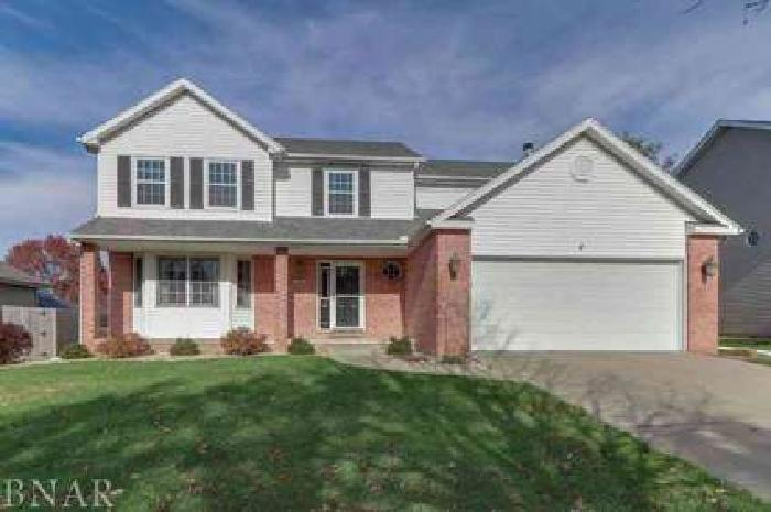 3116 Providence Dr Bloomington, Gorgeous two story home in