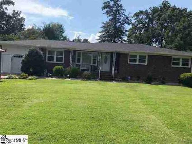 316 Weblin Street Spartanburg, WOW! This home shows