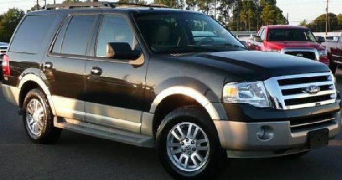 $31,000 OBO 2010 Ford Expediton 4X4 Loaded Eddie Bauer w 9,900 Miles