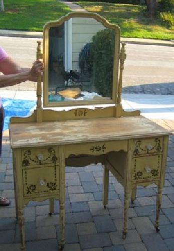 325 Antique Vanity Shabby Chic Yellow Mirror Wooden Wheels